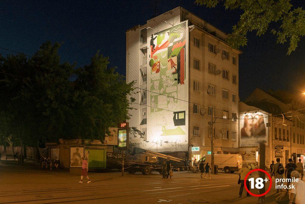 Pomalovaná budova na Obchodnej