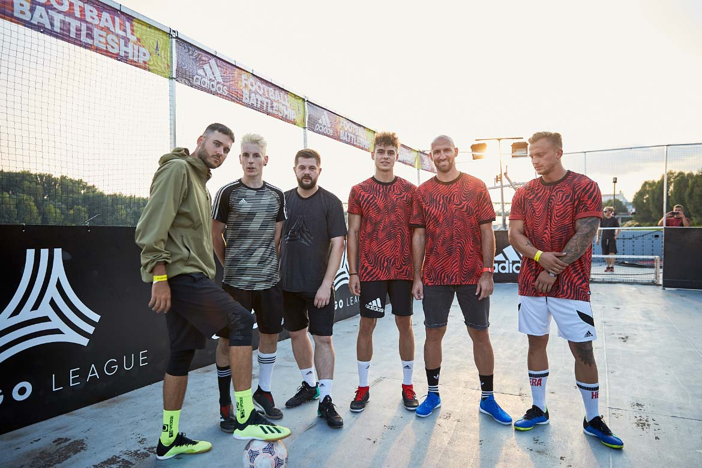 Futbalisti adidas football battleship